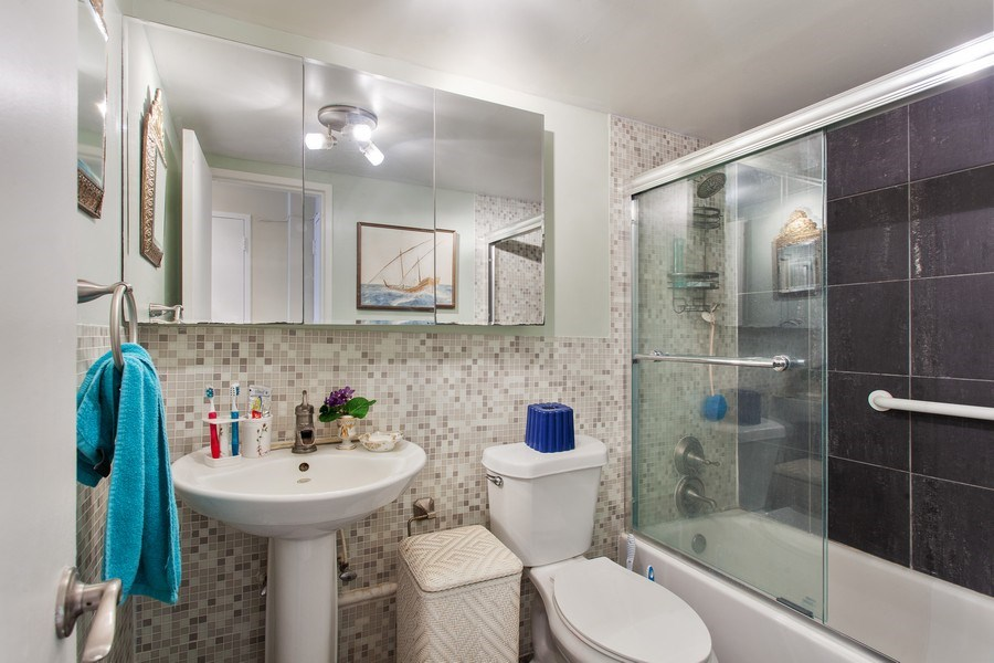 Real Estate Photography - 1228 West Ave, 405, Miami Beach, FL, 33139 - Master Bathroom