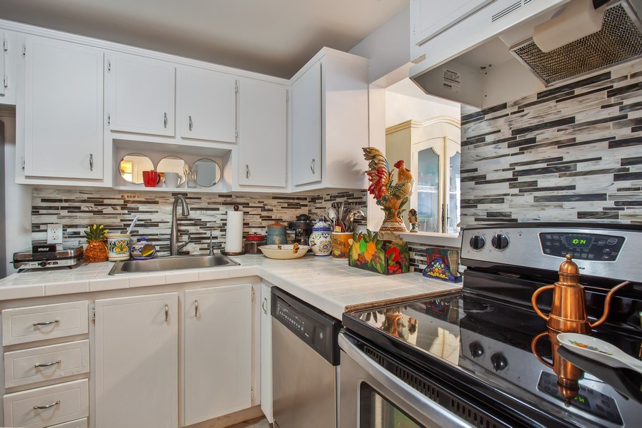 Real Estate Photography - 1228 West Ave, 405, Miami Beach, FL, 33139 - Kitchen