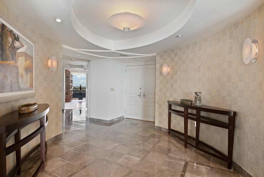 Real Estate Photography - 1500 S Ocean Blvd, S1103/4, Boca Raton, FL, 33432 - Foyer