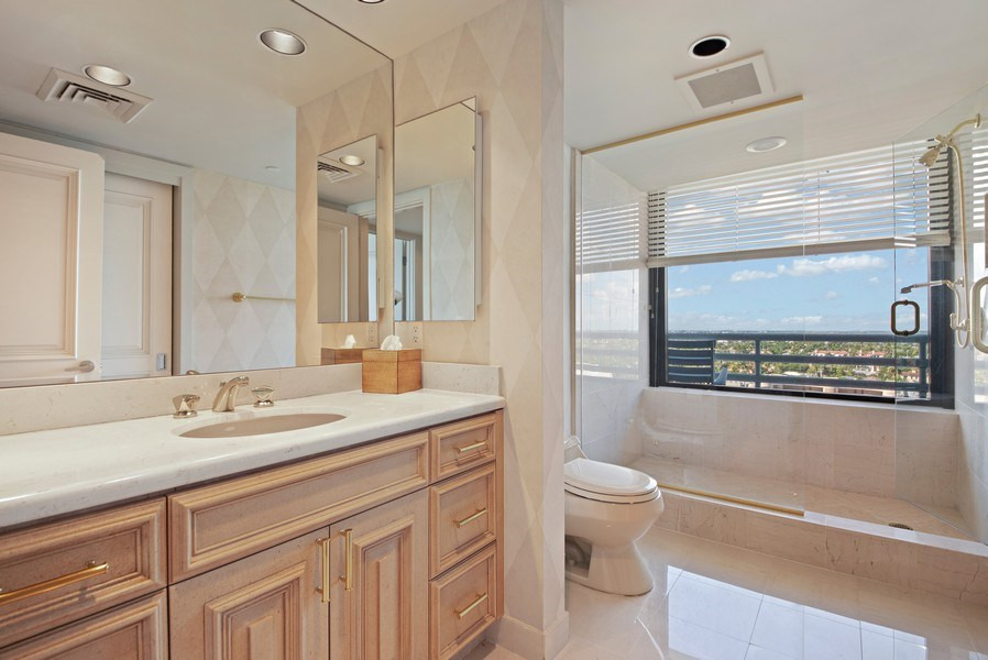 Real Estate Photography - 1500 S Ocean Blvd, S1103/4, Boca Raton, FL, 33432 - 2nd Bathroom