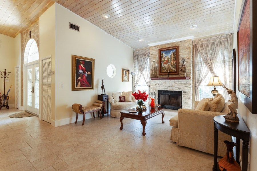 Real Estate Photography - 7781 SW 162nd St, Palmetto Bay, FL, 33157 - Foyer/Living Room