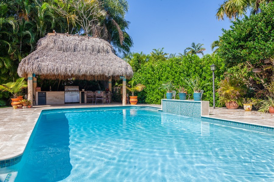 Real Estate Photography - 7781 SW 162nd St, Palmetto Bay, FL, 33157 - Pool