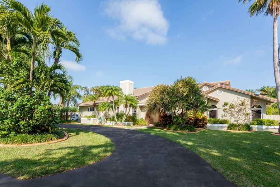 Real Estate Photography - 7781 SW 162nd St, Palmetto Bay, FL, 33157 - Front View
