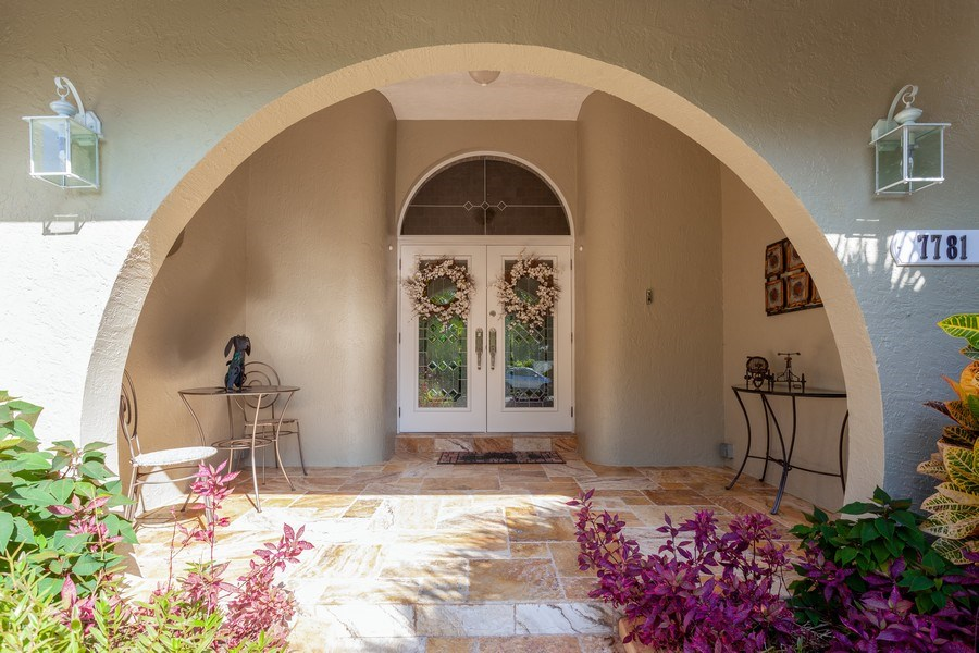 Real Estate Photography - 7781 SW 162nd St, Palmetto Bay, FL, 33157 - Entryway