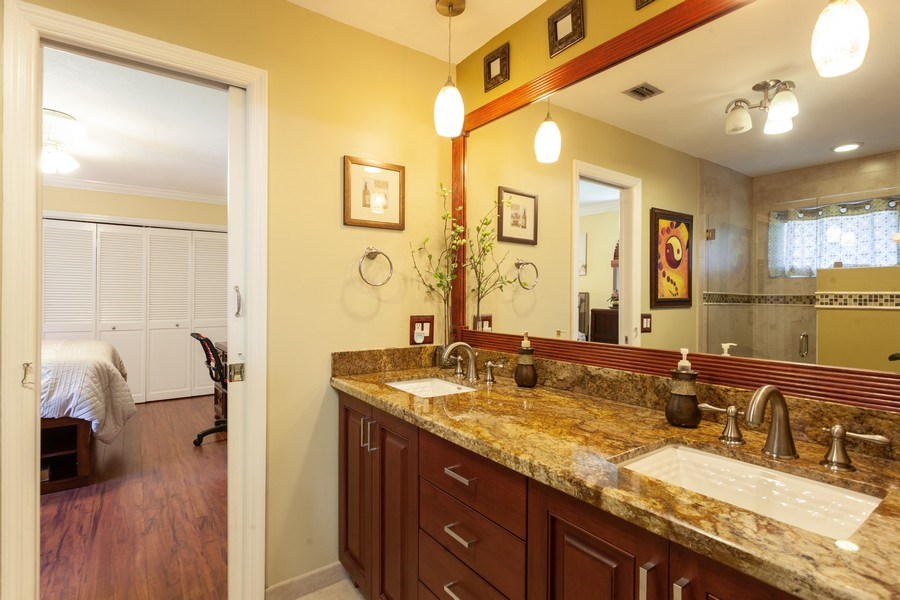 Real Estate Photography - 7781 SW 162nd St, Palmetto Bay, FL, 33157 - 2nd Bathroom