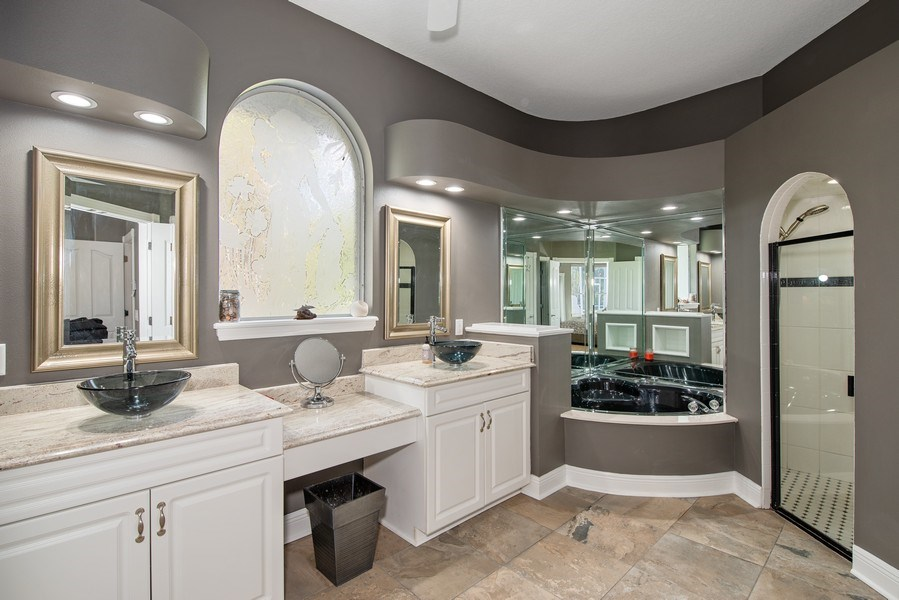 Real Estate Photography - 297 LESLIE LANE, LAKE MARY, FL, 32746 - MASTER BATHROOM WITH DUAL VANITIES
