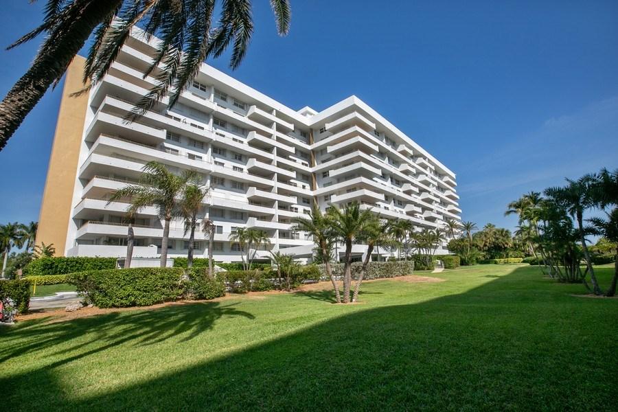 Real Estate Photography - 177 Ocean Lane Dr, Unit 702, Key Biscayne, FL, 33149 - Front View