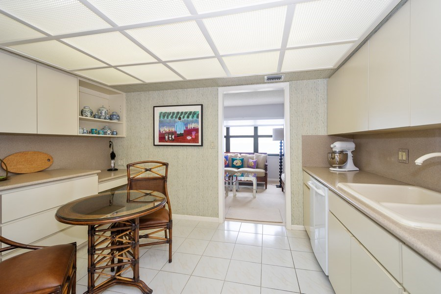 Real Estate Photography - 4900 N Ocean Blvd, 1117, LAUDERDALE BY THE SEA, FL, 33308 - Kitchen