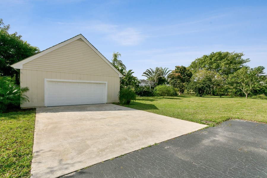 Real Estate Photography - 8373 Kelso Drive, Palm Beach Garden, FL, 33418 - Driveway