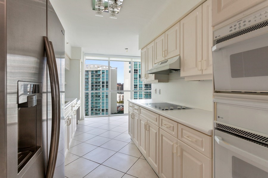 Real Estate Photography - 16400 Collins Ave, 1641, Sunny Isles Beach, FL, 33160 - Kitchen