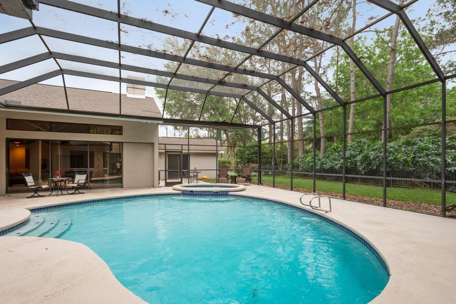 Real Estate Photography - 6513 Stonington South, Tampa, FL, 33647 - Pool