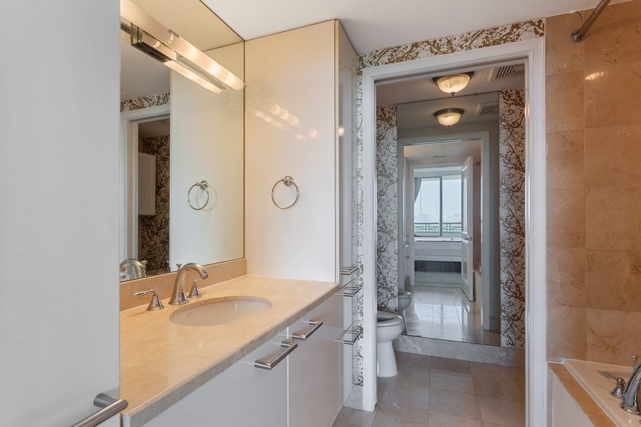 Real Estate Photography - 3350 SW 27th Ave, Unit 1907, Miami, FL, 33133 - Bathroom