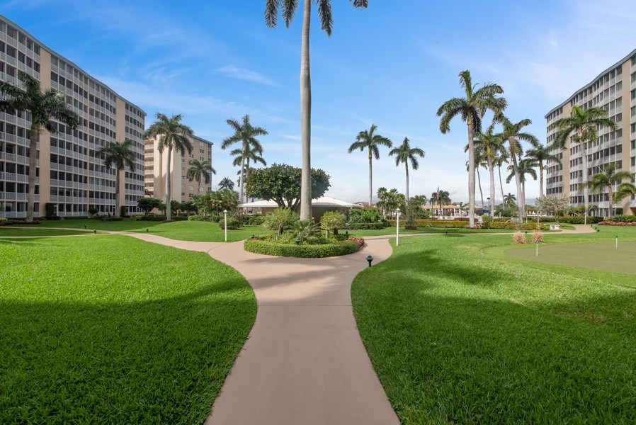 Real Estate Photography - 3224 S ocean Blvd, Apt 216B, Highland Beach, FL, 33487 - Courtyard