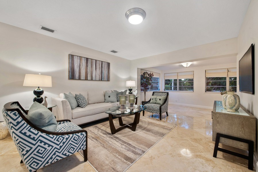Real Estate Photography - 1190 SW 14th St, 4100 NW 28th Way, Boca Raton, FL, 33486 - Living Room