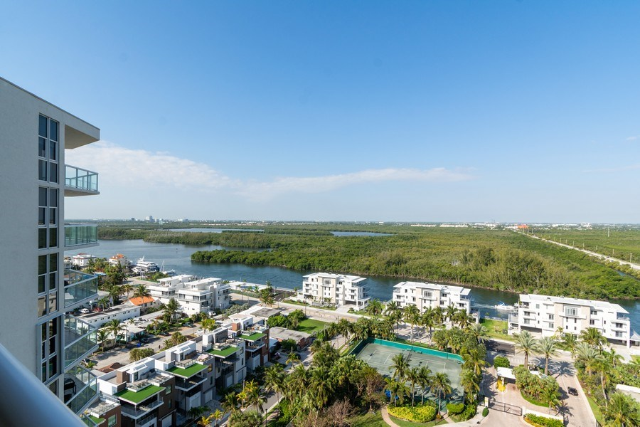 Real Estate Photography - 6051 N Ocean Dr, Unit 1703, Hollywood, FL, 33019 - View