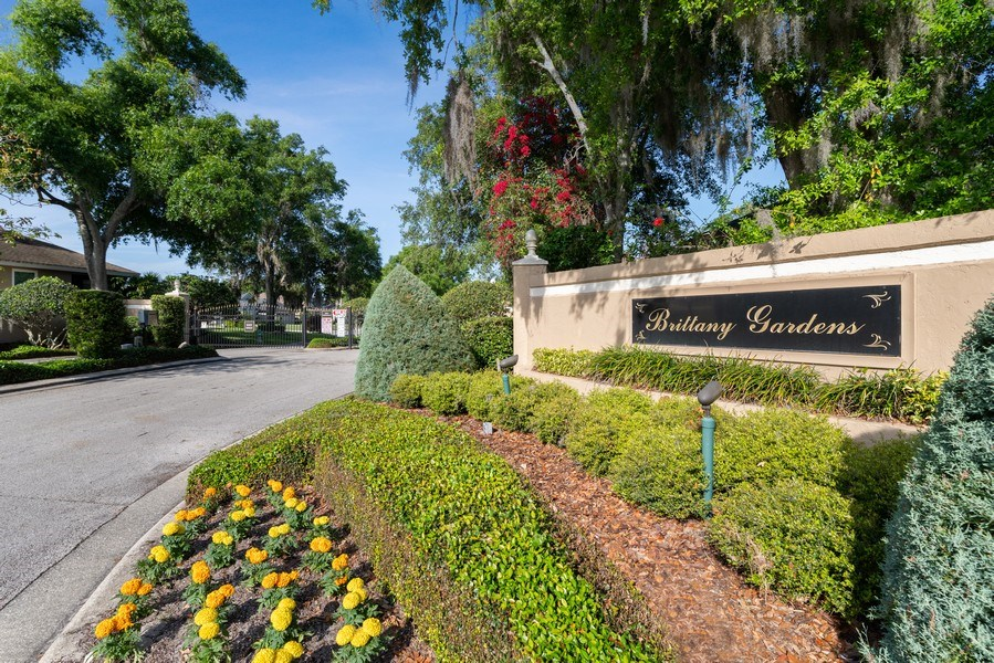 Real Estate Photography - 2652 QUEEN MARY PLACE, MAITLAND, FL, 32751 - GATED ENTRY