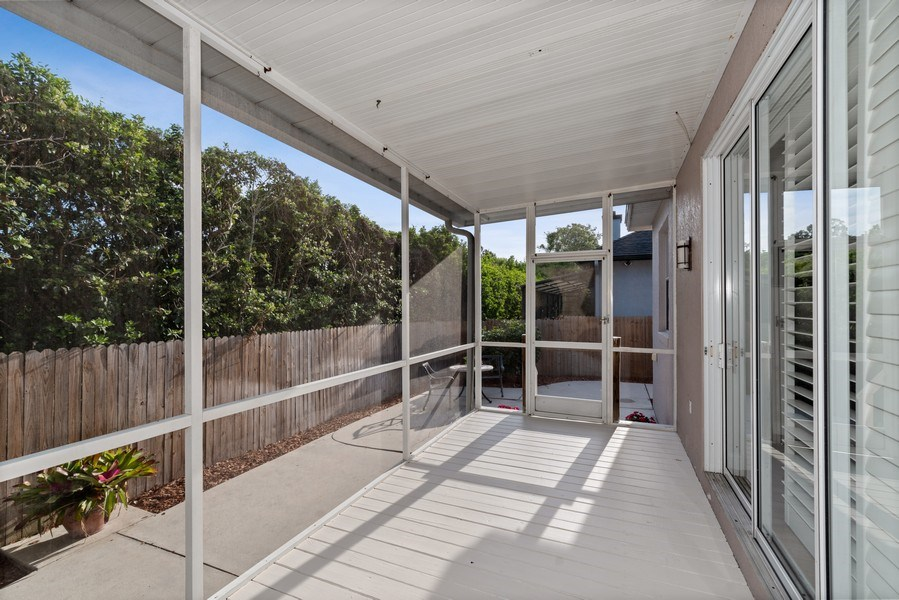 Real Estate Photography - 2652 QUEEN MARY PLACE, MAITLAND, FL, 32751 - SCREENED PORCH