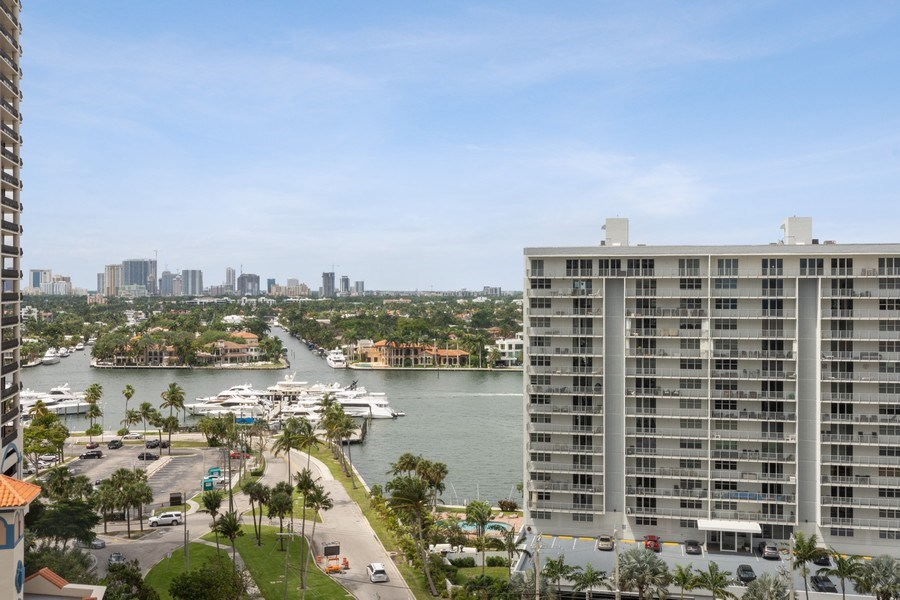 Real Estate Photography - 101 S. Fort Lauderdale Beach Blvd Apt. 1406, Fort Lauderdale, FL, 33316 - City View