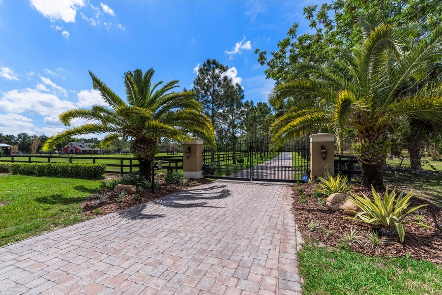 Real Estate Photography - 1630 Lake Mills Rd, Chuluota, FL, 32766 - Entrance