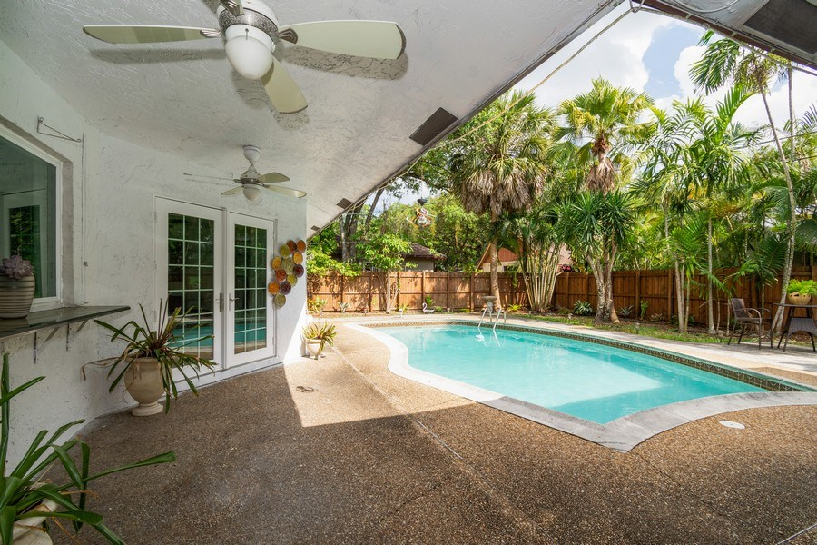 Real Estate Photography - 2434 SW 19th St, Fort Lauderdale, FL, 33312 - Patio