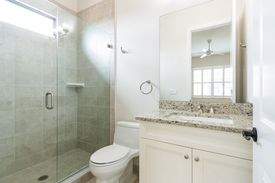 Real Estate Photography - 10262 Sweet Bay Manor, Parkland, FL, 33076 - 4th Bedroom Ensuite Bathroom
