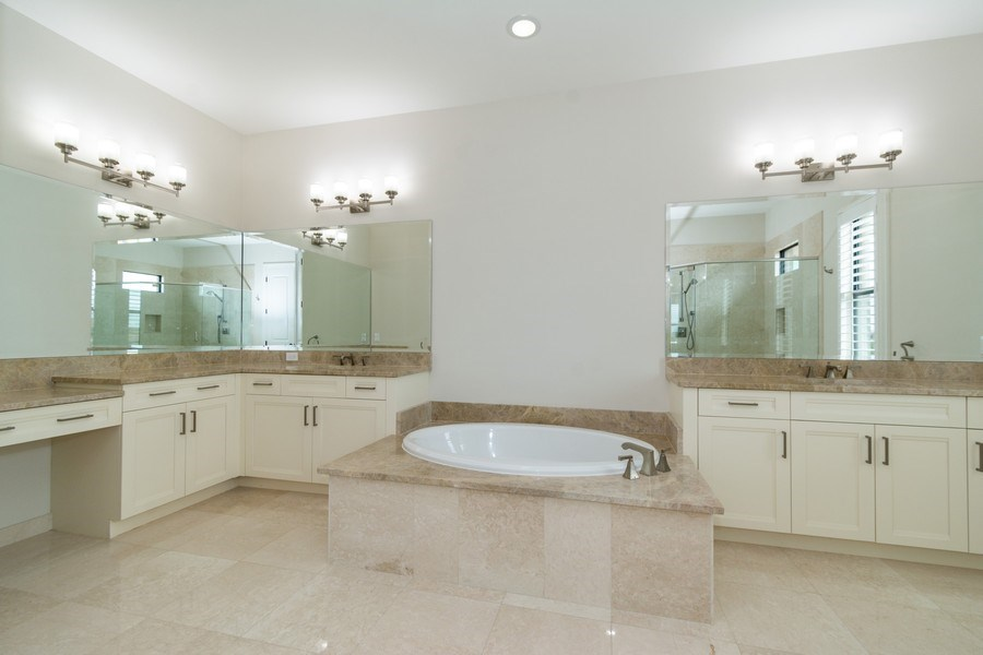 Real Estate Photography - 10262 Sweet Bay Manor, Parkland, FL, 33076 - Master Bathroom