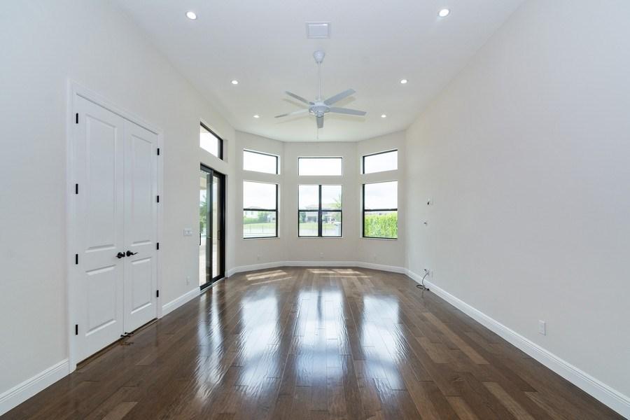 Real Estate Photography - 10262 Sweet Bay Manor, Parkland, FL, 33076 - Recreation/Additional Family/Bonus Room