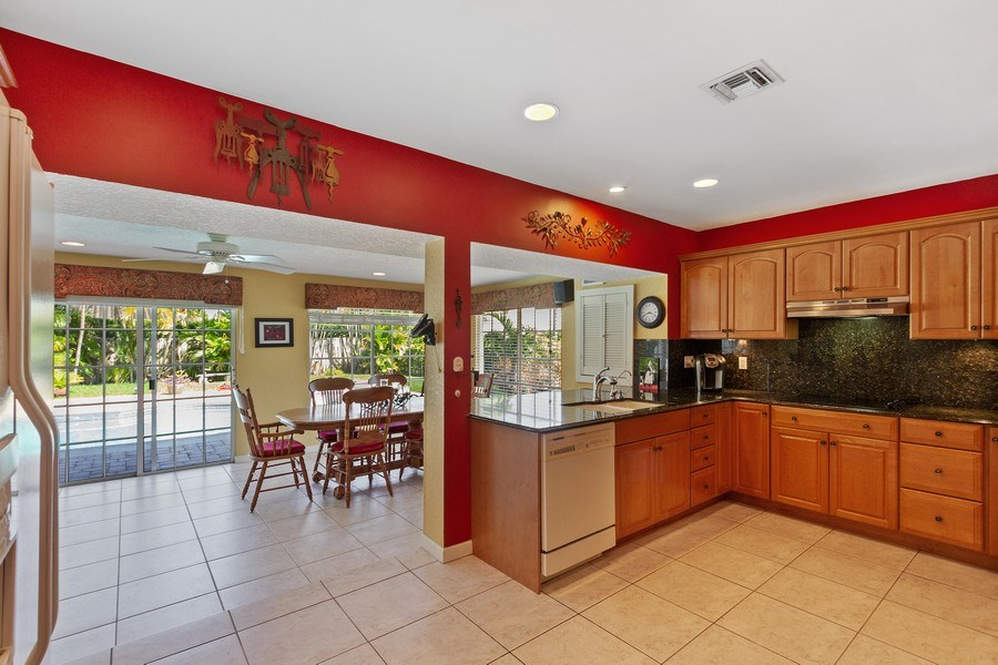 Real Estate Photography - 4700 NE 26 Ave, Ft Lauderdale, FL, 33308 - Kitchen