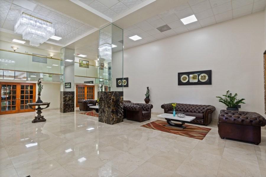 Real Estate Photography - 210 174th St, 1719, Sunny Isles Beach, FL, 33160 - Entry Lobby