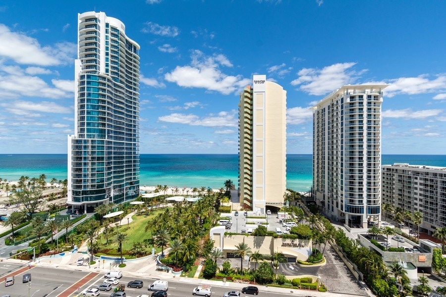 Real Estate Photography - 210 174th St, 1719, Sunny Isles Beach, FL, 33160 - Primary East View