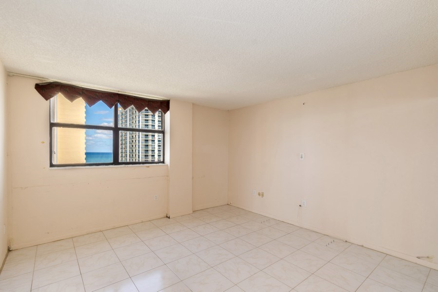Real Estate Photography - 210 174th St, 1719, Sunny Isles Beach, FL, 33160 - Third Bedroom