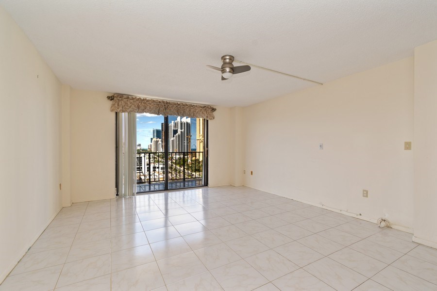 Real Estate Photography - 210 174th St, 1719, Sunny Isles Beach, FL, 33160 - Master Bedroom