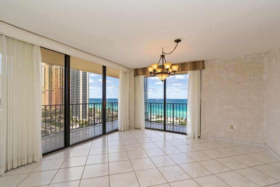 Real Estate Photography - 210 174th St, 1719, Sunny Isles Beach, FL, 33160 - Dining Room