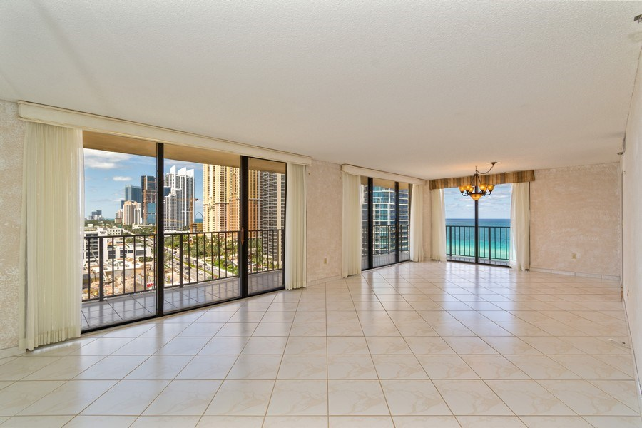 Real Estate Photography - 210 174th St, 1719, Sunny Isles Beach, FL, 33160 - Living Room / Dining Room