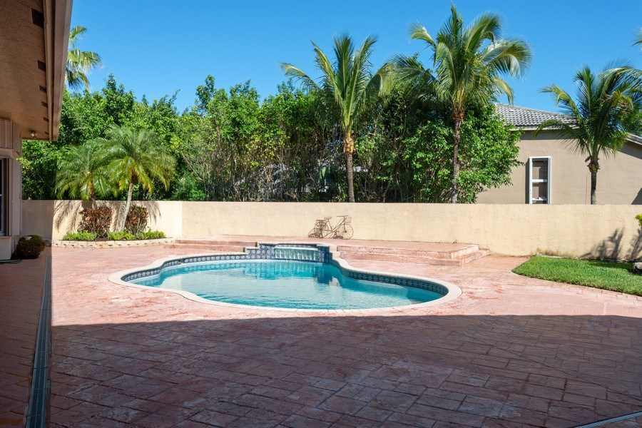 Real Estate Photography - 5333 NW 109TH WAY, CORAL SPRINGS, FL, 33076 - Pool
