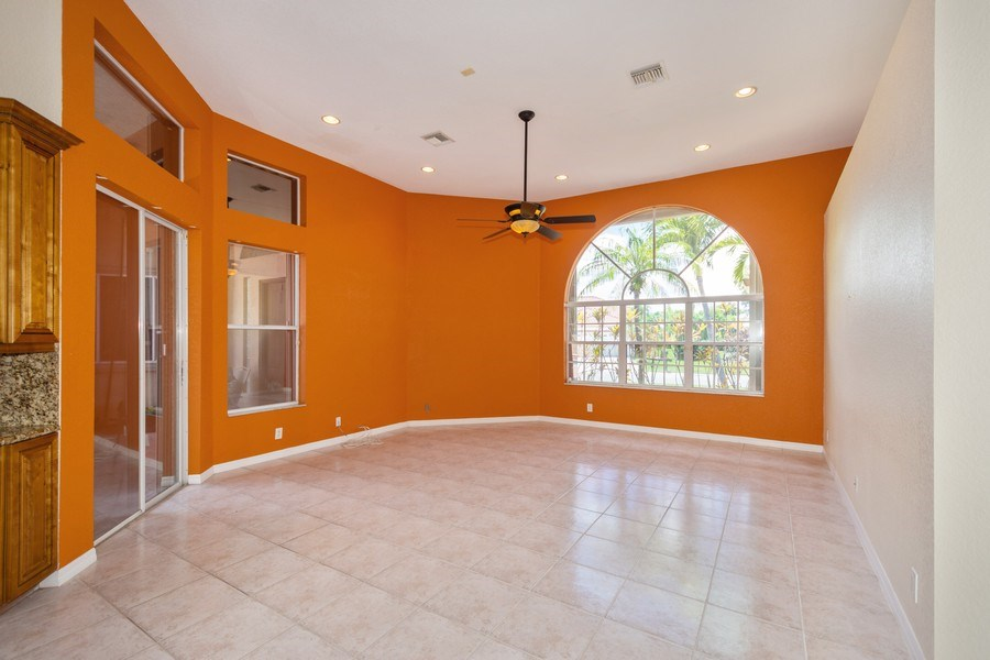 Real Estate Photography - 5333 NW 109TH WAY, CORAL SPRINGS, FL, 33076 - Family Room