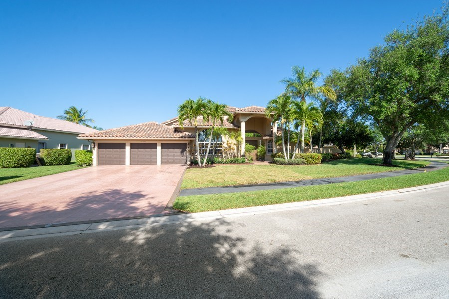 Real Estate Photography - 5333 NW 109TH WAY, CORAL SPRINGS, FL, 33076 - Front View