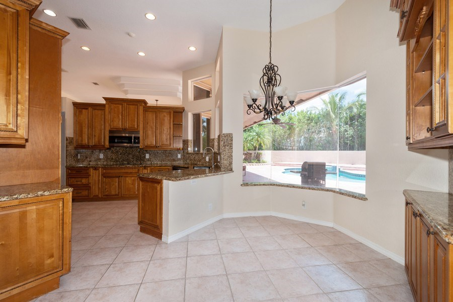 Real Estate Photography - 5333 NW 109TH WAY, CORAL SPRINGS, FL, 33076 - Breakfast Room