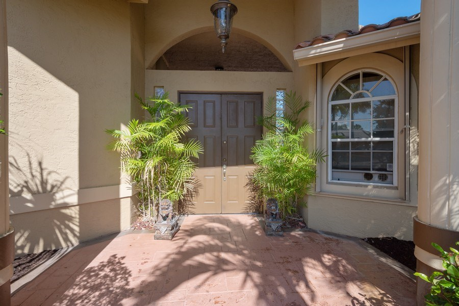 Real Estate Photography - 5333 NW 109TH WAY, CORAL SPRINGS, FL, 33076 - Entryway