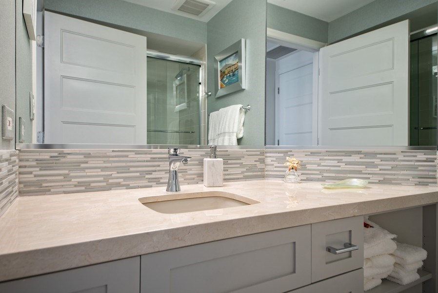 Real Estate Photography - 300 SE 5th Avenue, Unit #4080, Boca Raton, FL, 33432 - Guest bedroom's full bathroom