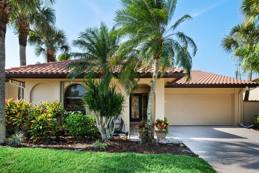 Real Estate Photography - 2459 SW Bobalonk Court, Palm City, FL, 34990 - Front View