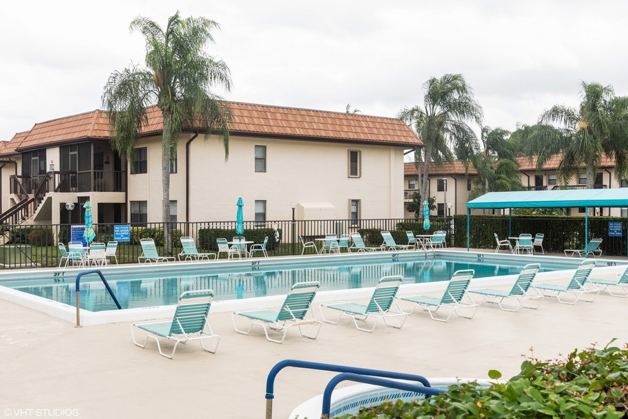 Real Estate Photography - 7190 Golf Colony Ct, 104, Lake Worth, FL, 33467 -