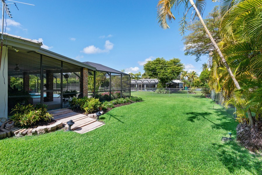 Real Estate Photography - 14300 SW 73rd Ave, Palmetto Bay, FL, 33158 - Side Yard
