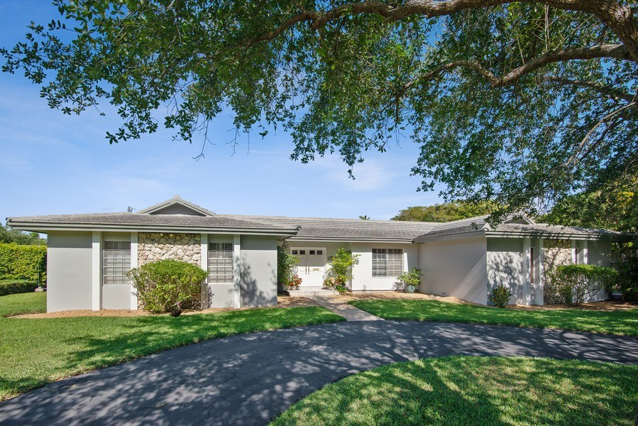 Real Estate Photography - 14300 SW 73rd Ave, Palmetto Bay, FL, 33158 - Front View