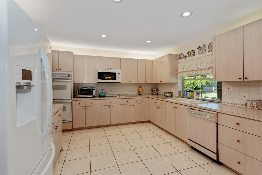 Real Estate Photography - 14300 SW 73rd Ave, Palmetto Bay, FL, 33158 - Kitchen