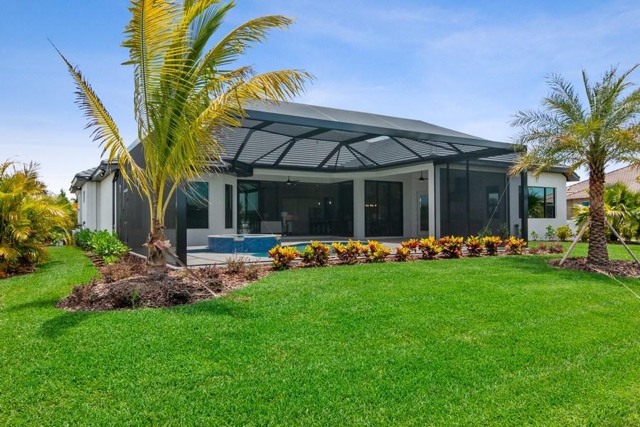 Real Estate Photography - 5420 Greenbrook Drive, Sarasota, FL, 34238 - Exterior
