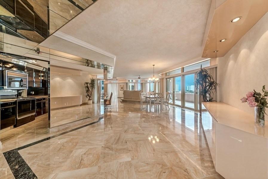 Real Estate Photography - 300 S.E. 5th Ave., #7050, Boca raton, FL, 33432 - Entryway