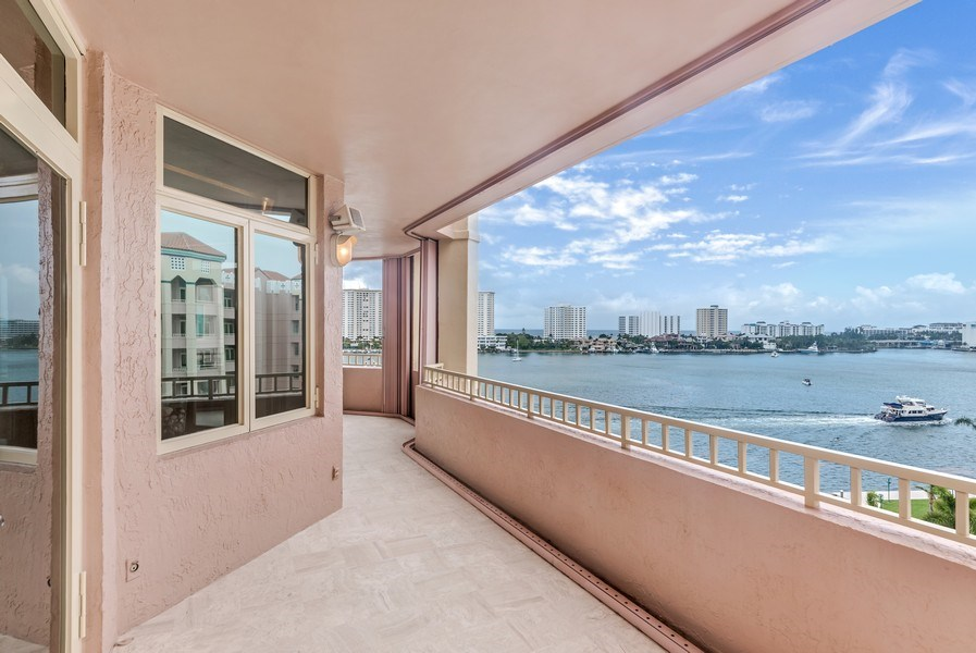 Real Estate Photography - 300 S.E. 5th Ave., #7050, Boca raton, FL, 33432 - Patio