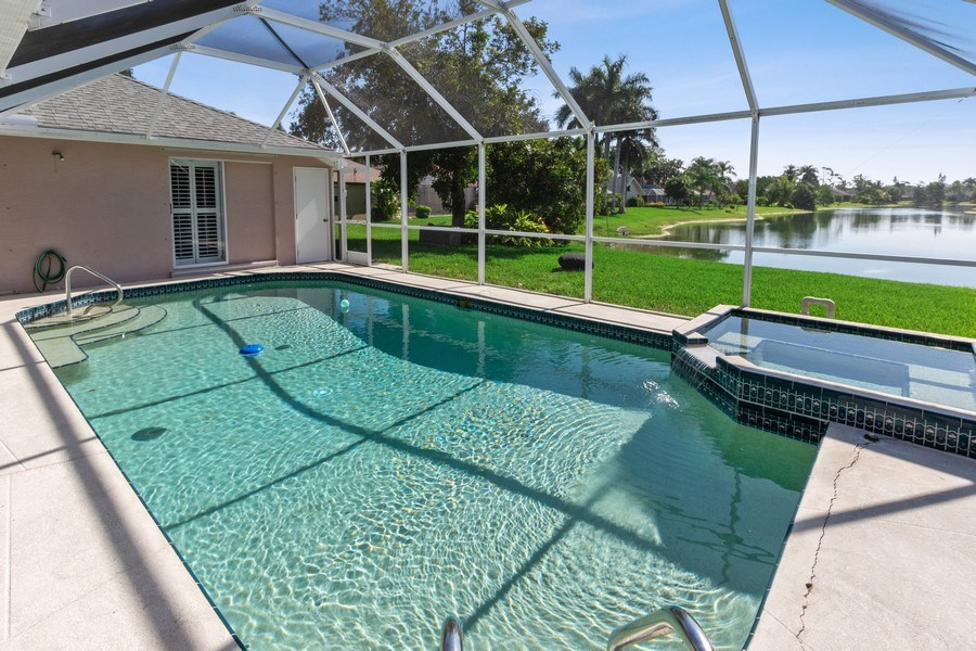 Real Estate Photography - 6520 Highland Pines Circle, Fort Myers, FL, 33966 - Pool