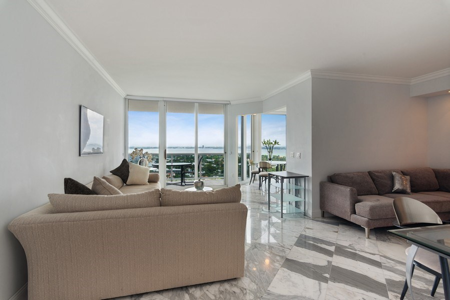Real Estate Photography - 4779 Collins Ave, Unit 2406, Miami Beach, FL, 33140 - Entryway